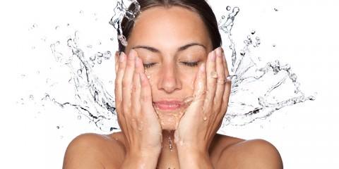 Peeling, Beauty, Schönheit, BeautyZoom, Beauty Magazin, Algenbad, Bindegewebe, Body & Soul, Detox, Detox-Treatment, Detoxing, Entgiftungsbad, Entgiftungskur, Entschlackungskur, Entwässerungskur, Fettgewebe, Gesunde Ernährung, Haut, Körper, Körperpeeling, Lymphsystem, Massage, Meersalzbad, Organismus, Osmose, Stoffwechsel, Stressabbau, Zellstoffwechel